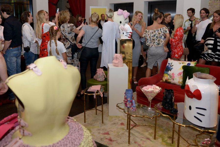 Marina Hoermanseder x Hello Kitty Collection bei der Vogue Fashion's Night Out in Berlin