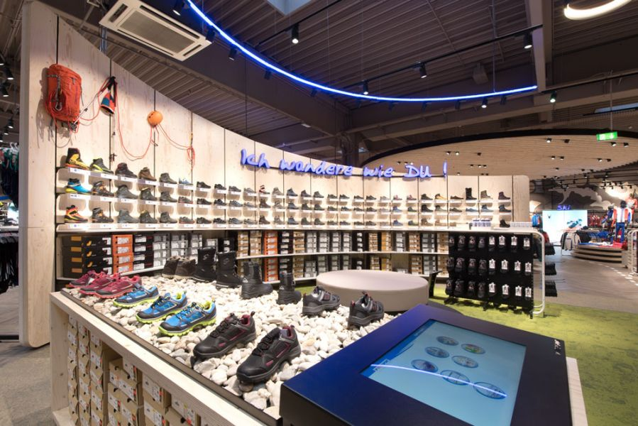 Intersport Flagship Store in Steyr, Bergschuhsortiment