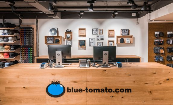 Blue Tomato Store in der Shopping City Seiersberg in Graz, Kassabereich