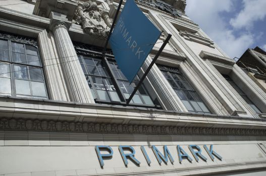 Download von www.picturedesk.com am 26.02.2019 (11:38).  September 10, 2018 - London, England, United Kingdom - A Primark store is pictured in Central London on September 10, 2018. Associated British Foods, which owns fashion retailer Primark, has warned the stronger pound will result in a £20m hit to its sales. - 20180910_PD7773