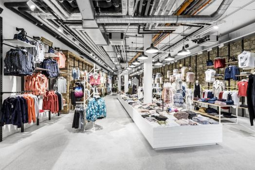Kult-Filiale in der Shopping City Nord in Wien